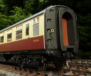 Gauge 1 MK1 coaches - Accucraft