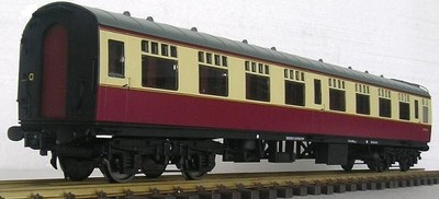 Rake of 4 coaches in BR Crimson/Cream in stock last set